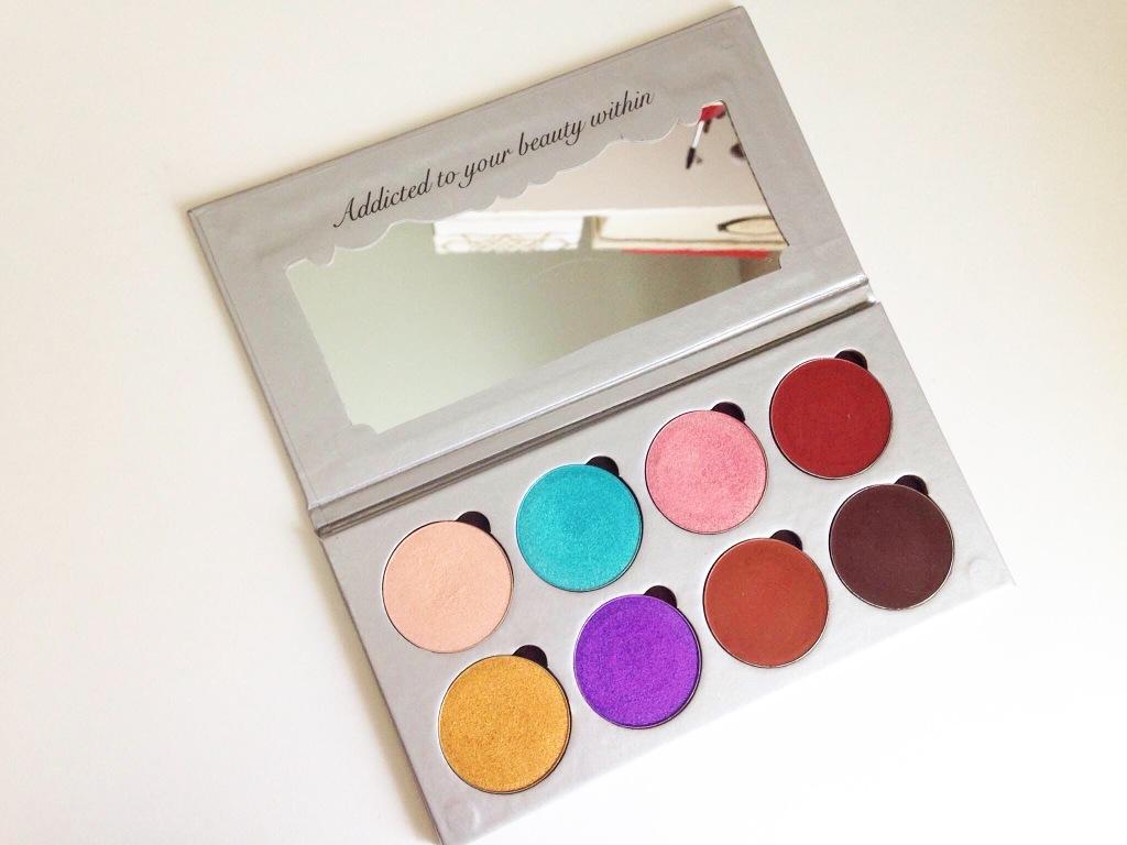 Makeup addiction flaming love palette